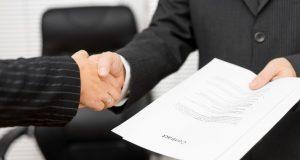 Заключение контракта, рукопожатие